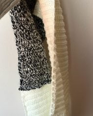 Fular alb din lana tricotat manual