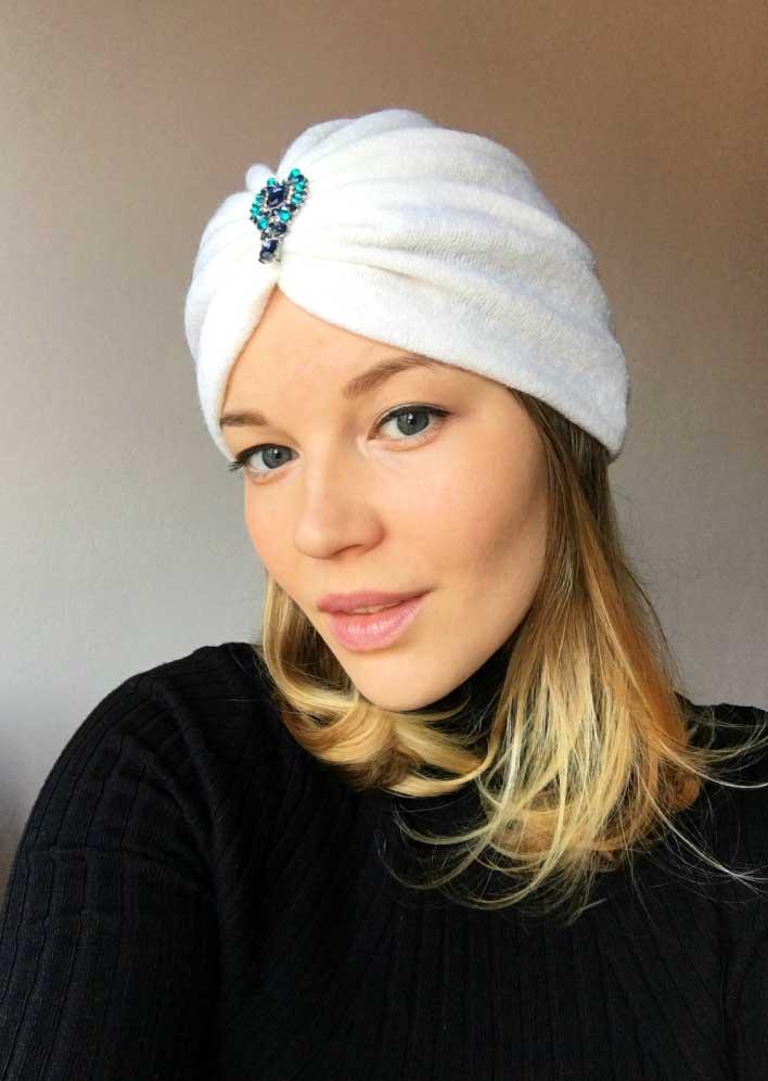 Turban alb din angora