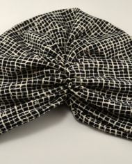 Turban alb cu negru din scuba