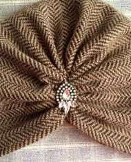 Turban maro din tricot gros