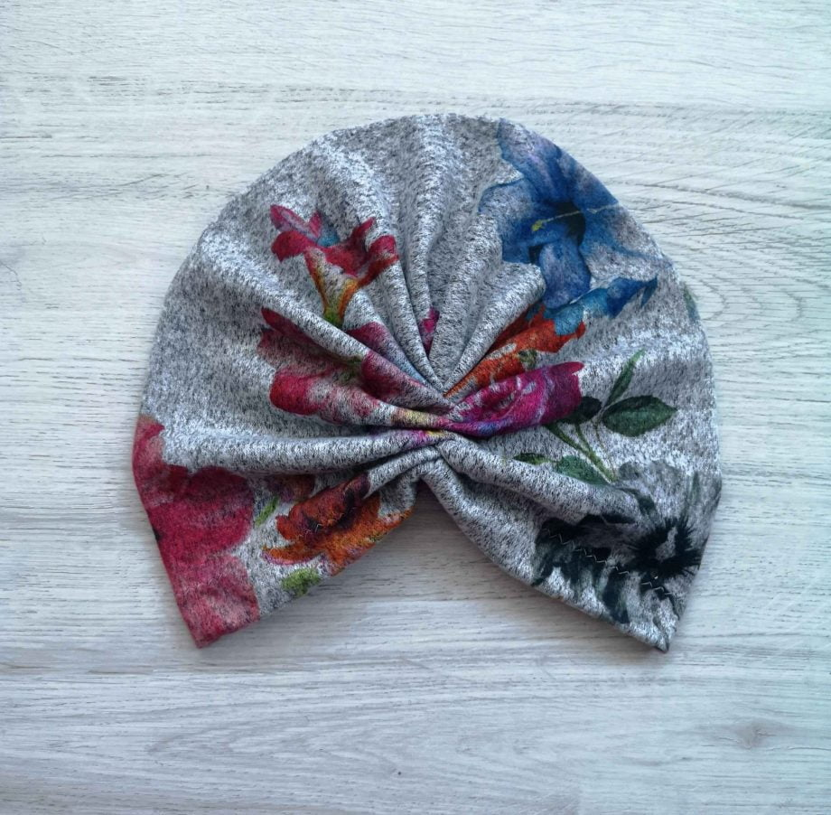 Turban gri floral din angora fina