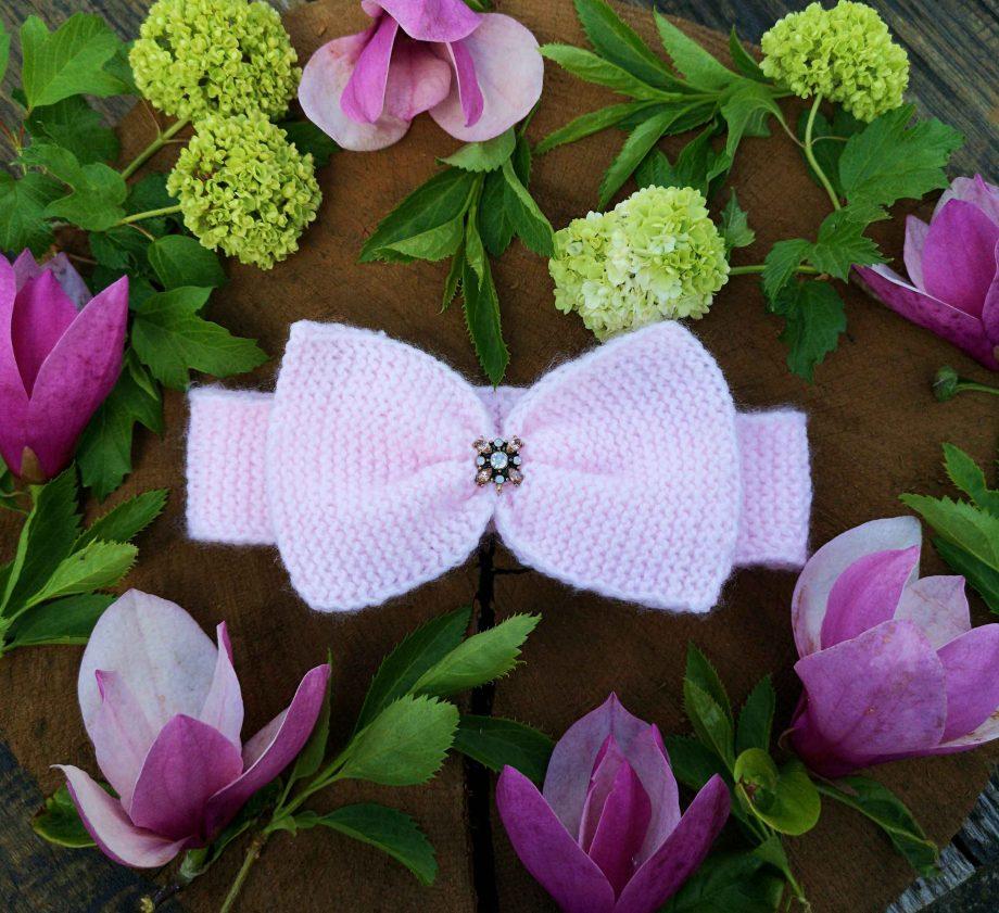 Banderola bebe cu fundita tricotata manual