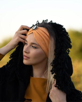 Bentita portocalie din tricot gros