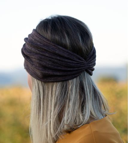Bentita capucino inchis din tricot