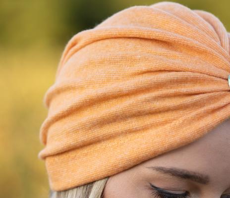 Turban portocaliu din tricot gros